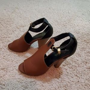 Ankle-strap Clunky Heels Sandals